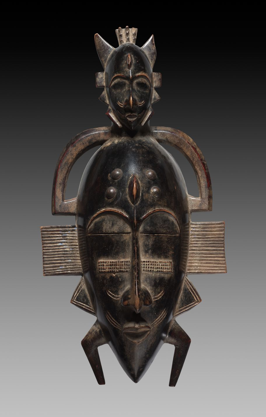 Ouazomon: Face Mask Attributed to Sabariko Koné (CMA 1989.48)