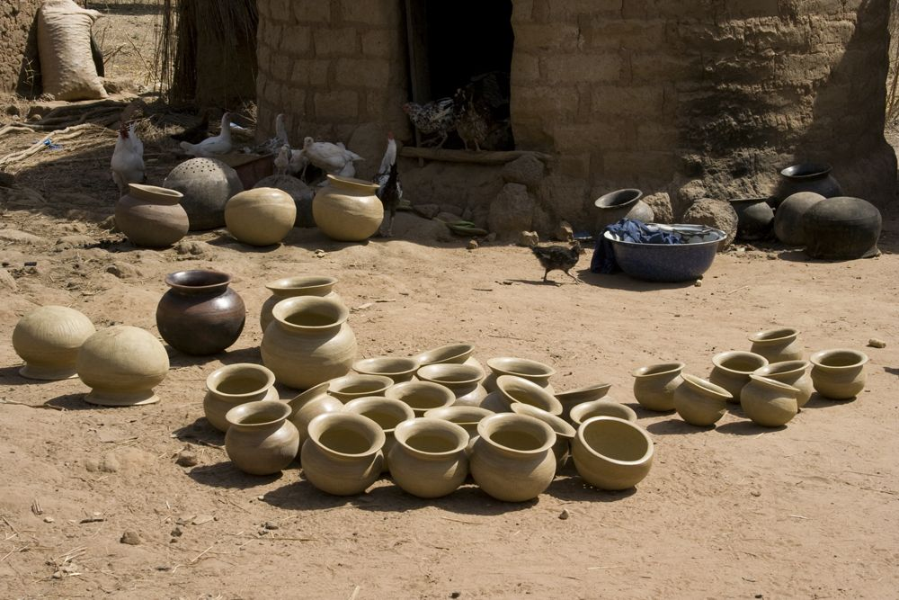 Kenga: Raw Ware Drying before Its Firing